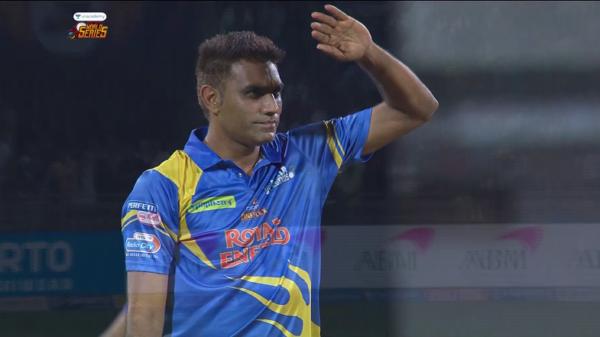 India Legends vs Srilanka Legends | Munaf Patel Wickets | 10th March 2020 | Unacademy Road Safety World Series