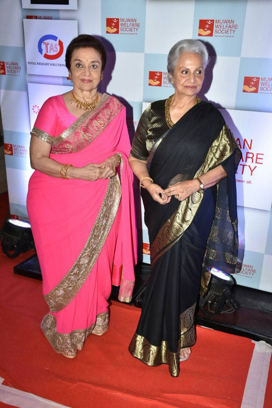 Asha-Parekh-and-Waheeda-Rehman