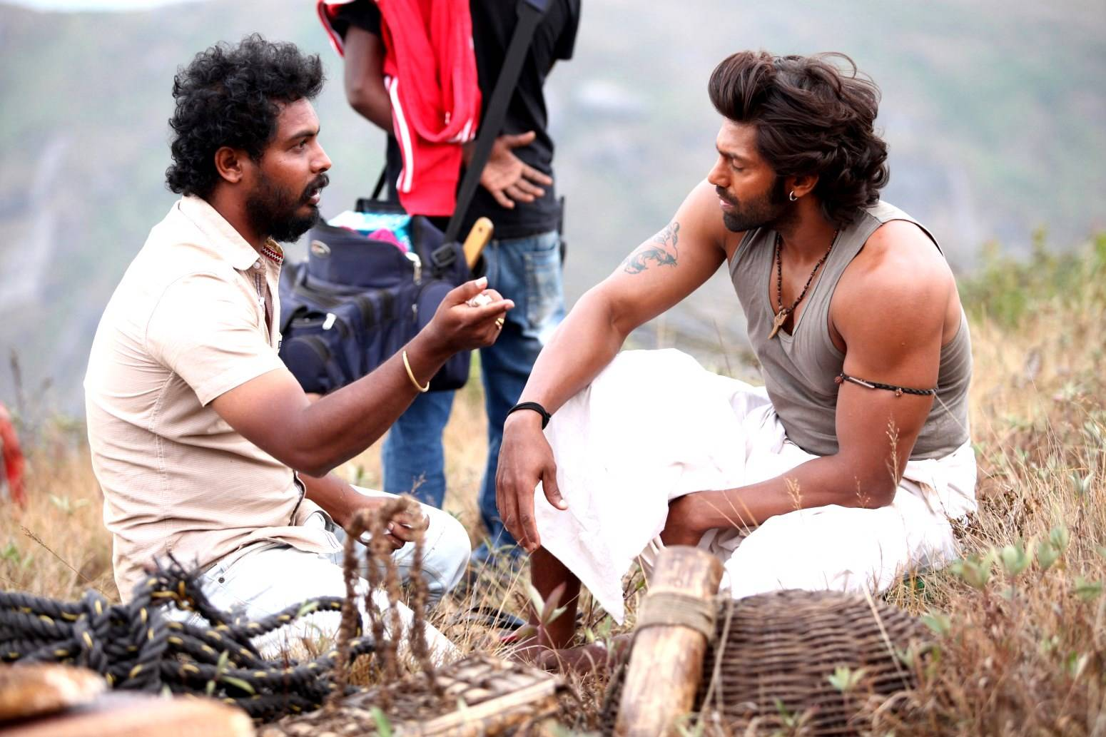 Kadamban_Movie_Stills_2_